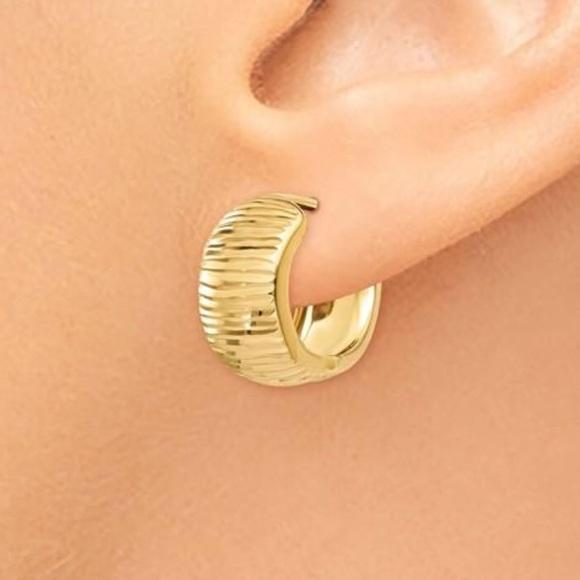 31849cf59c097 14K Yellow Gold diamond Cut Huggie Hoop Earrings NWT